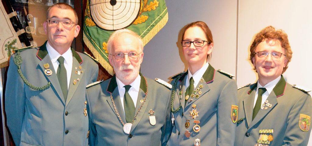 Vorstand der Ahrensböker Gill vun 1490 e.V. Michael Berlin (stellv. Vorsitzender), Jürgen Rosenfeldt (1. Vorsitzender), Kirstin Weiß (Schriftführerin) und Sven Persson (Kassenwart)