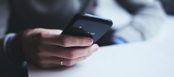 smartphone-1281632_640